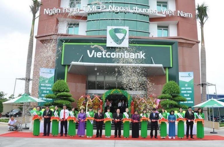 Cổ phiếu VCB, cổ phiếu nóng ngành ngân hàng